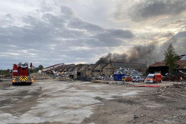 incendie sur l'ancien site des verreries de Reims
