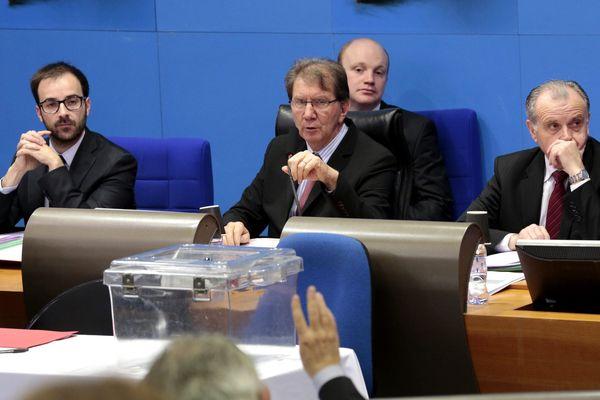 Guy Tessier(ici au centre) sur son siège de président de MPM, le 25 avril dernier.