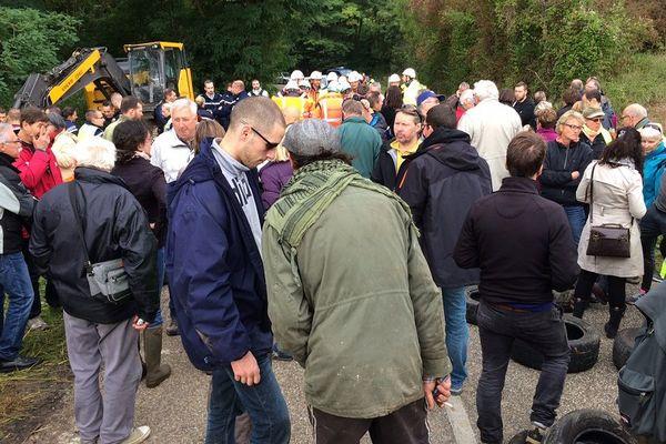 Les anti-GCO mobilisés en lisière de la forêt de Kolbsheim/Ernolsheim-sur-Bruche