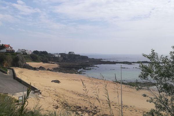 La plage déserte des Grands Sables à Clohars-Carnoët