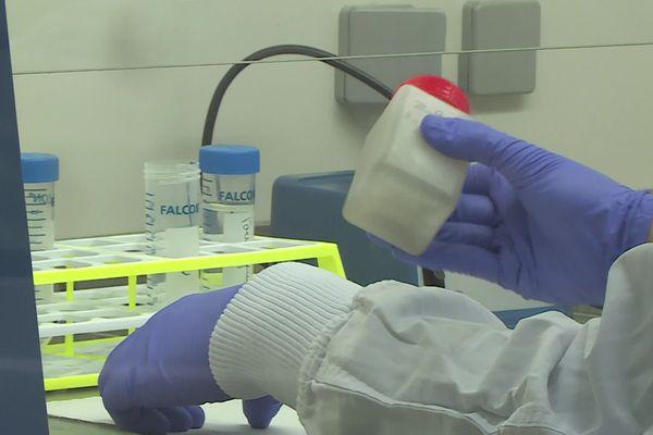 Les eaux usées sont analysées dans ce laboratoire du CNRS à Montpellier - 2021.