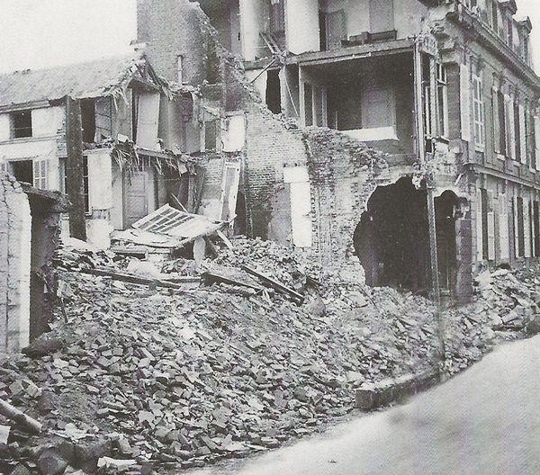 Le 20 mai, les bombes allemandes détruisent Abbeville.