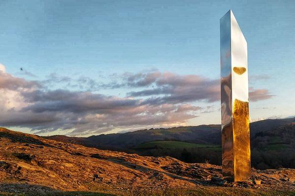Le monolithe n'est resté que 48 heures sur les hauteurs d'Ambialet dans le Tarn.