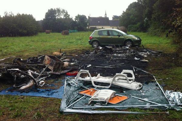 Il ne reste rien suite à l'incendie de la caravane dans laquelle le corps d'une femme a été retrouvée à Nevez (29)