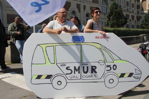 Manifestation pour défendre le Smur de Valognes en août 2015