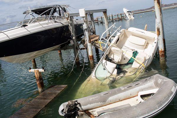 Les dégâts sur les bateaux dans le quartier de Marigot à St Martin après le passage de l'ouragan Irma.