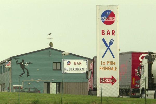Le restaurant routier La P'tite Fringale d'Étrelles (Ille-et-Vilaine) a obtenu l'autorisation préfectorale de rouvrir malgré le confinement.
