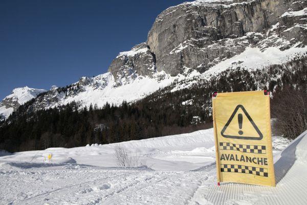 Une signalétique d'avalanche sur le plateau d'Assy en Haute-Savoie