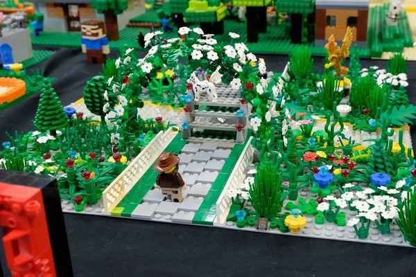 Les collectionneurs de Lego créent parfois leur propre ville imaginaire