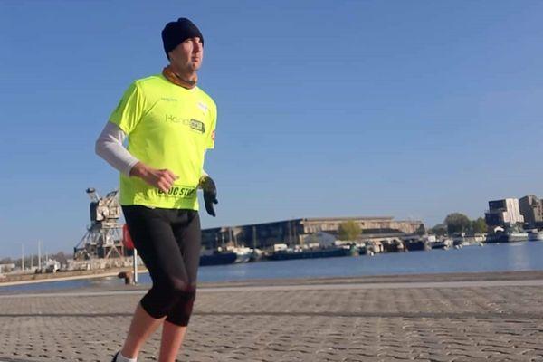 Grégory Mouyen , marathonien handisport