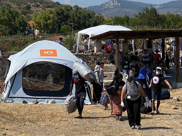 Dans la zone de Kara Tepe entre Mytilène et Moria, le nouveau camp. Les migrants arrivent au compte-goutte pour l'instant