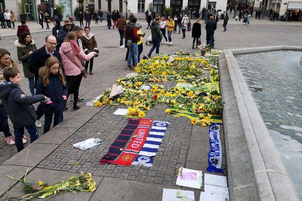L'hommage à Sala se poursuit place Royale à Nantes