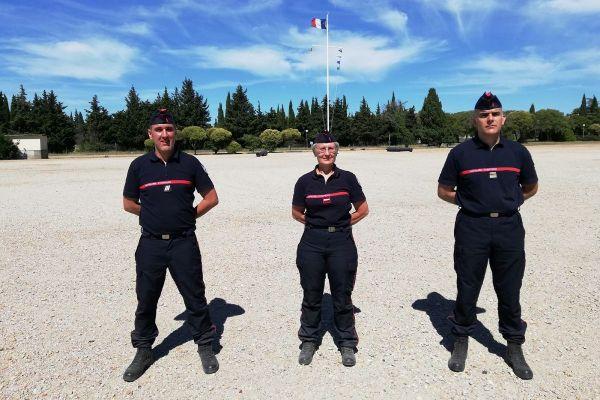 Les trois pompiers tarnais choisis pour la cérémonie du 14 juillet, place de la Concorde à Paris.