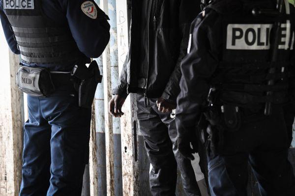 Une patrouille de police de la sécurité du quotidien le 3 février 2021 à Sarcelles, près de Paris.