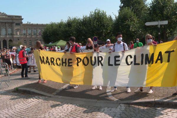 La onzième marche pour le climat s'est déroulée à Strasbourg, ce samedi 12 septembre, réunissant plus de 500 personnes.