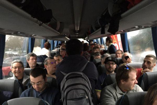 Le bus de la CGT pour la manifestation inter-régionale à Angoulême