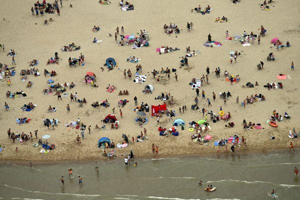 Une vue aérienne de la plage d'Ostende.