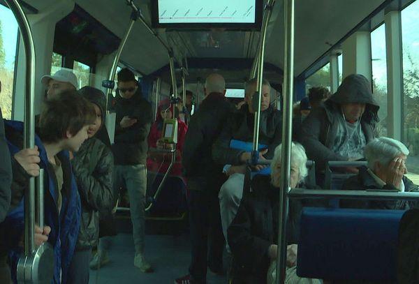 Depuis mardi matin, les nîmois peuvent emprunter une nouvelle liaison en trambus, entre le CHU et la gare SNCF.