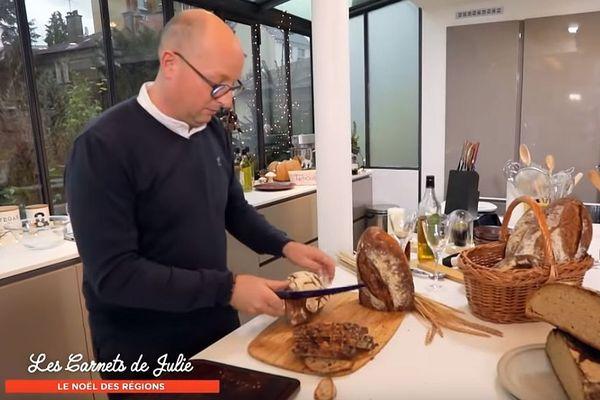 Jérôme Bruet a créé Les Champs du Destin, un atelier de fabrication de pains de céréales anciennes à Sacquenay, en Côte-d'Or.