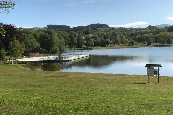 Saint-Rémy-sur-Durolle (Puy-de-Dôme) est l'un des 3 nouveaux plans d'eau récompensés d'un label plage Pavillon Bleu.