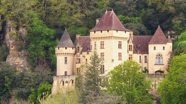 Les plus beaux paysages de Dordogne se réservent dans l'attente de la saison estivale