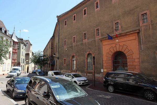 L'homme a été écroué à la maison d'arrêt de Colmar, dans l'attente de sa probable extradition.
