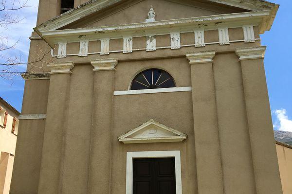 Eglise San Cesariu, où vous pourrez prendre une pause.