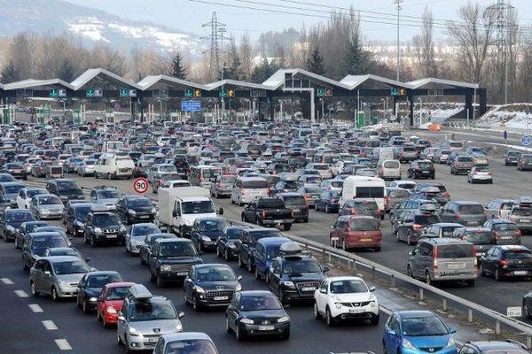 Les tarifs autoroutiers augmenteront de 1,12% en moyenne au 1er février 2016.