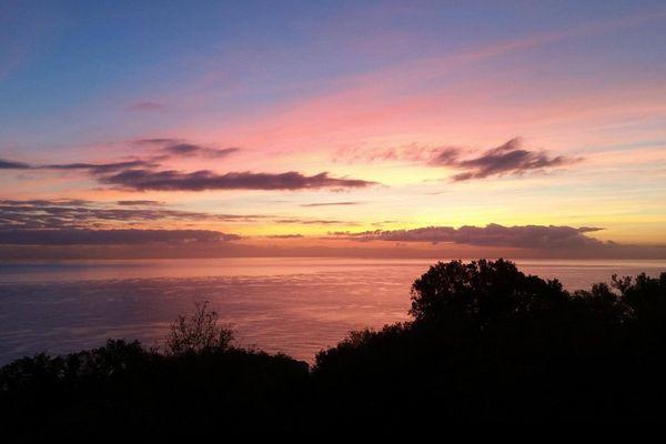 Lever de soleil près de Bastia (Haute-Corse)