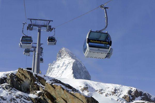 Illustration. La Suisse a décidé de ne pas fermer ses remontées mécaniques depuis l'ouverture de la saison de ski.