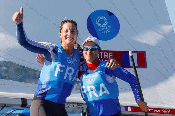 Médaille de bronze en 470 pour Camille Lecointre et Aloïse Retornaz ce mercredi 4 août 2021 aux JO de Tokyo.