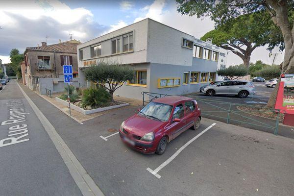 La mairie de Lignan-sur-Orb (Hérault) - archives.