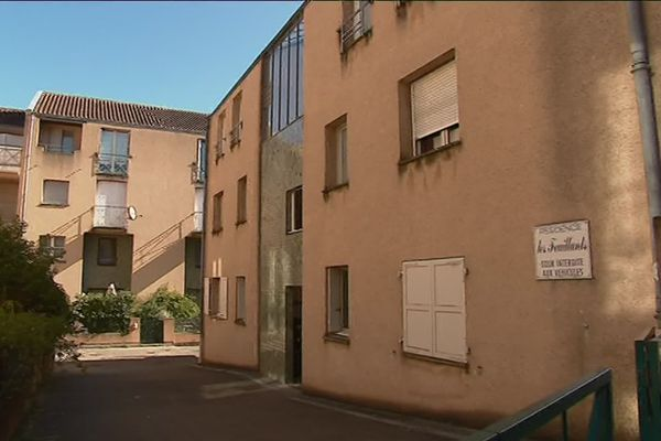 La boîte aux lettres du Fonds Josefa est hébergé à Poitiers