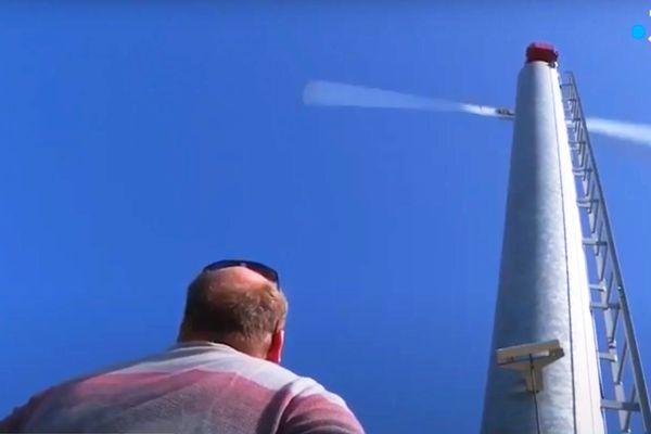La Tour éolienne antigel, une possibilité de brasser l'air pour réchauffer le sol et empêcher les gelées nocturnes comme ici dans le Val de Loire