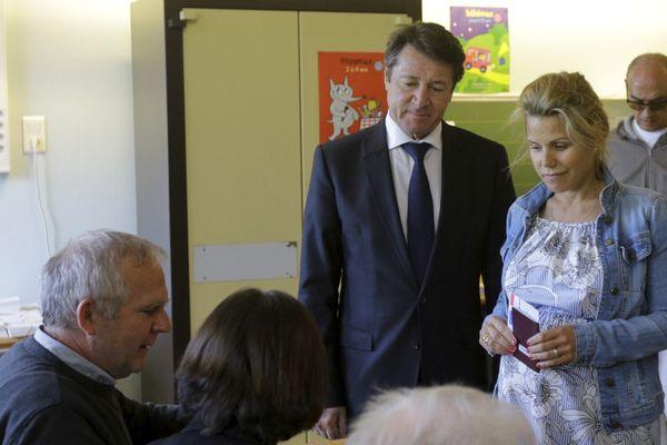 Christian Estrosi et sa femme ce dimanche 23 avril à Nice