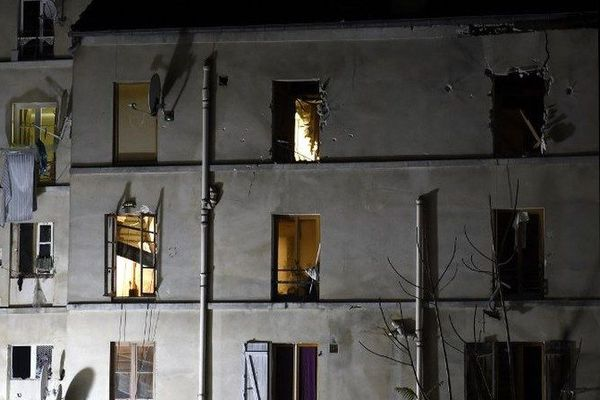 L' homme est soupçonné d'avoir participé à la fourniture d'un logement à deux auteurs des attentats de Paris durant leur brève cavale.