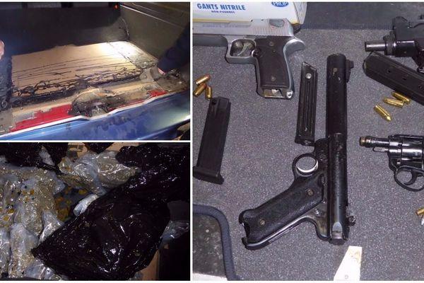 La drogue et les armes étaient cachées sous le coffre d'une voiture installée sur un camion de transport de véhicules.