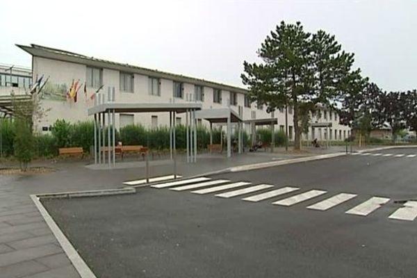 Le lycée de la Venise Verte (Niort) où le cas de tuberculose a été diagnostiqué mercredi dernier sur un élève de terminale ES.