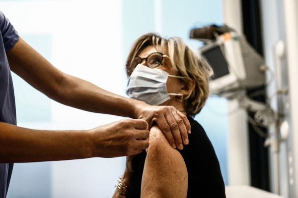 Les personnels de santé âgés de plus de 50 ans ou présentant des comorbidités pourront se faire vacciner en Normandie à partir de cette semaine