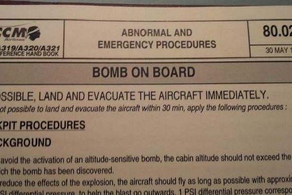 Document exclusif - Procédures de vol de la compagnie Air Corsica en cas de bombe à bord.