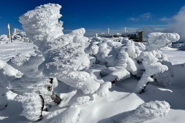 Neige à l'observatoire météo du Mont Aigoual le 5 janvier 2021