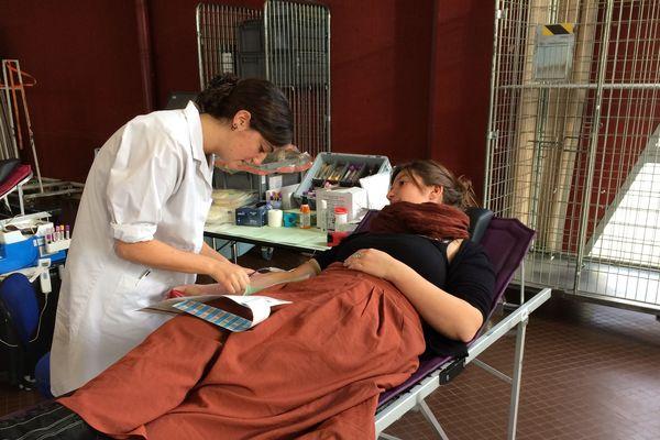 Collecte de sang à Vertou, en Loire-Atlantique, le 2 janvier 2019