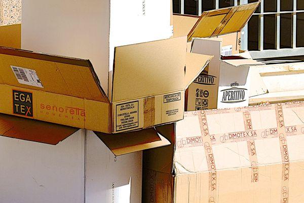 Des boîtes en carton, matière première pour le recyclage d'emballages (photo d'illustration)