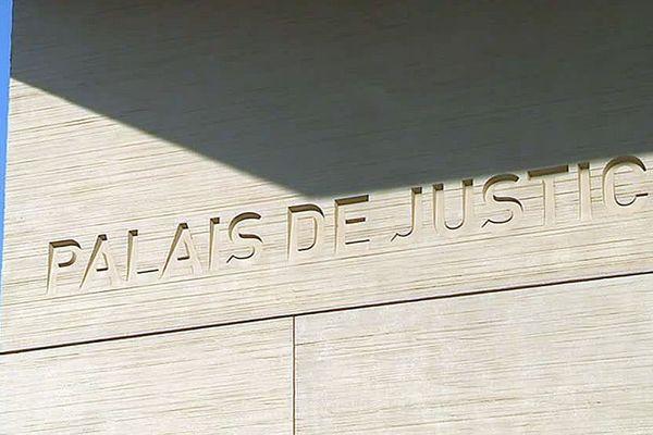 Béziers (Hérault) - le palais de justice - archives