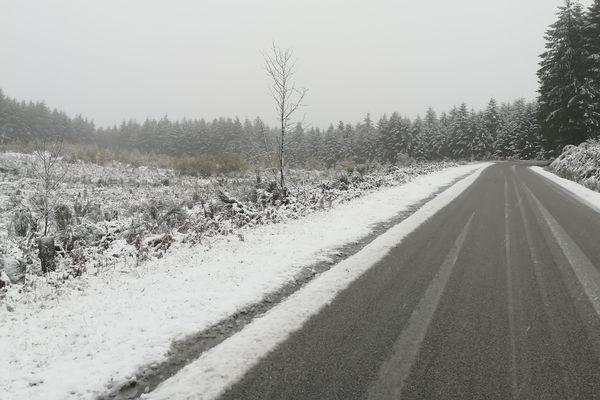 Gentioux-Pigerolles : la neige recouvrait le plateau de Millevaches ce jeudi 14 novembre 2019.