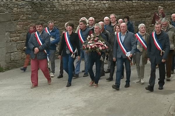 Ils manifestent pour protester contre la fermeture programmée de la trésorerie à Bégard le 2 novembre 2017