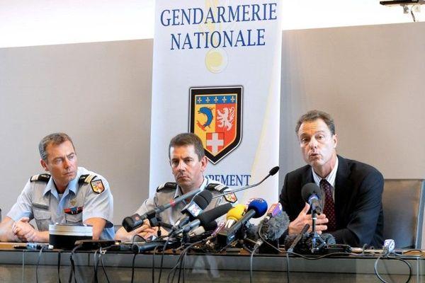 Le procureur Eric Maillaud ne s'explique pas pour l'instant ces appels téléphoniques vers la Roumanie.