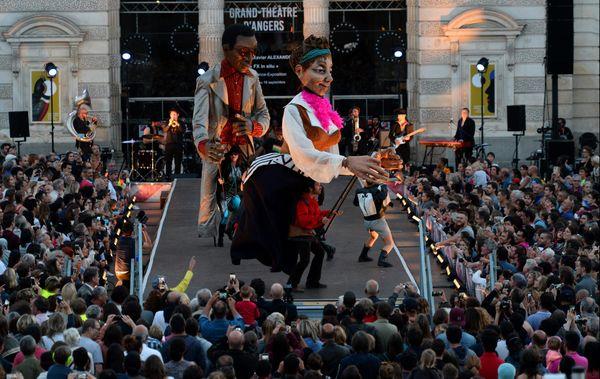 """Les Accroche-Coeurs 2018 """"La parenthèse en chantier"""" - cérémonie d'ouverture devant le Grand Théâtre d'Angers"""