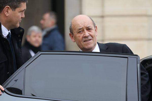 Le ministre des Affaires étrangères devant le palais de l'Élysée, le 15 novembre 2017.