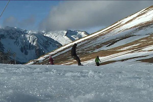 Pour trouver du blanc à Saint-Lary, il faut gagner le sommet de la station, à 2400 mètres d'altitude